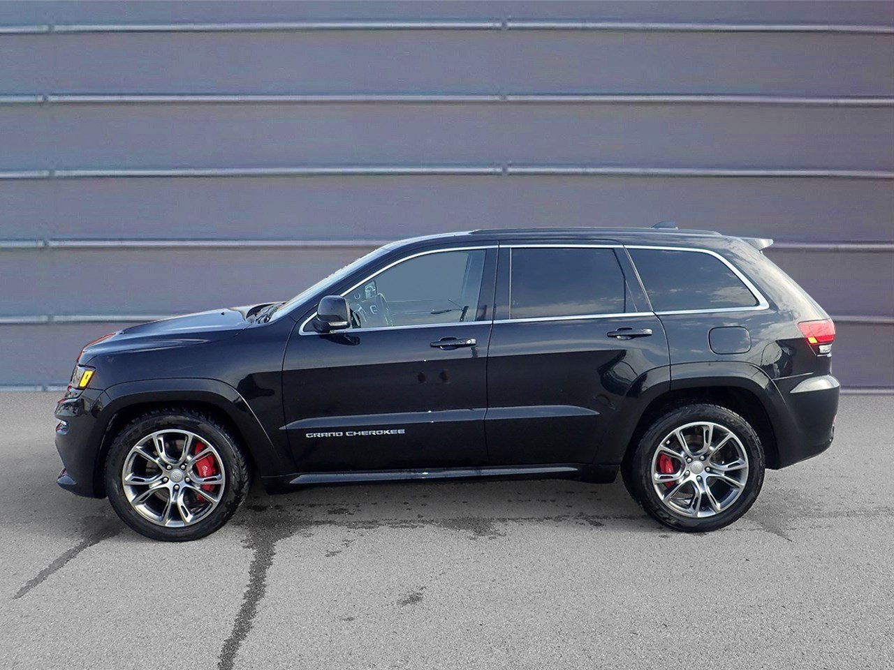 Jeep Dealers Omaha >> Pre Owned 2014 Jeep Grand Cherokee Srt8