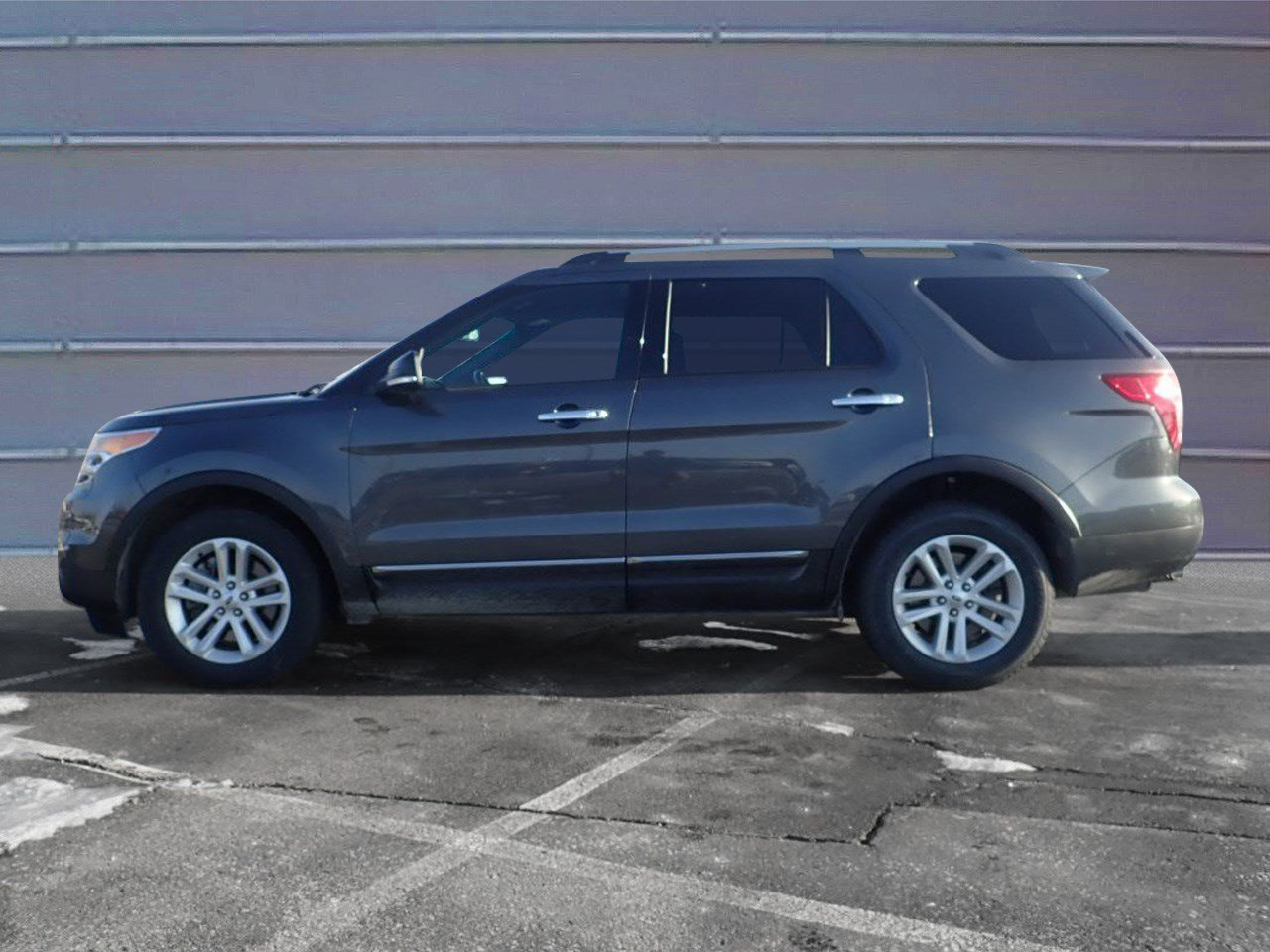 Pre owned 2015 ford explorer xlt