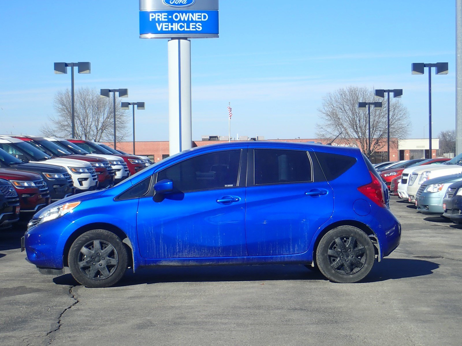 pre-owned 2016 nissan versa note s / baxter ford