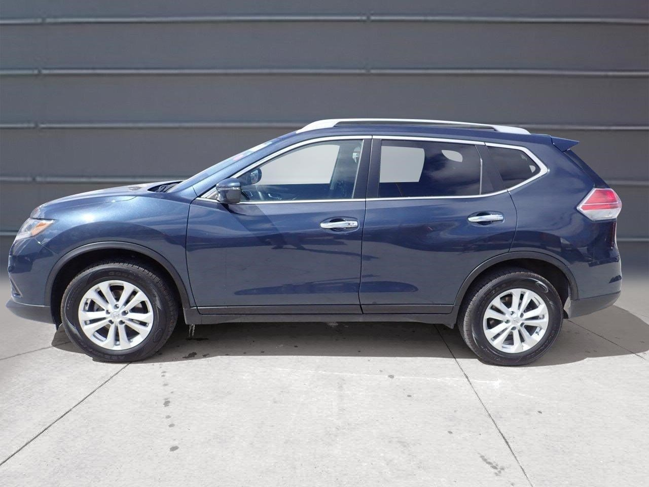 Pre Owned 2016 Nissan Rogue SV Baxter Ford