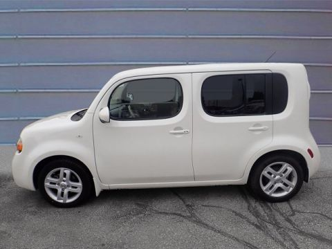 Pre-Owned 2013 Nissan cube SL